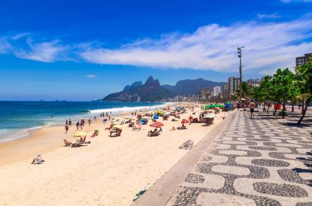Ipanema beach on daylight saving time