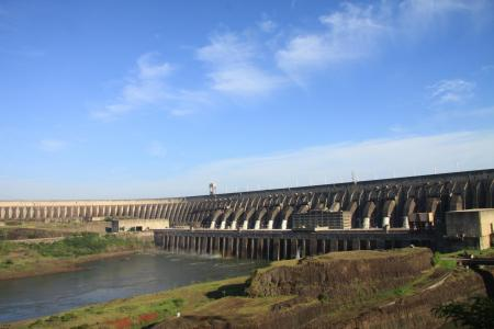The Itaipu hydroelectric power plant stands for renewable energies in Brazil