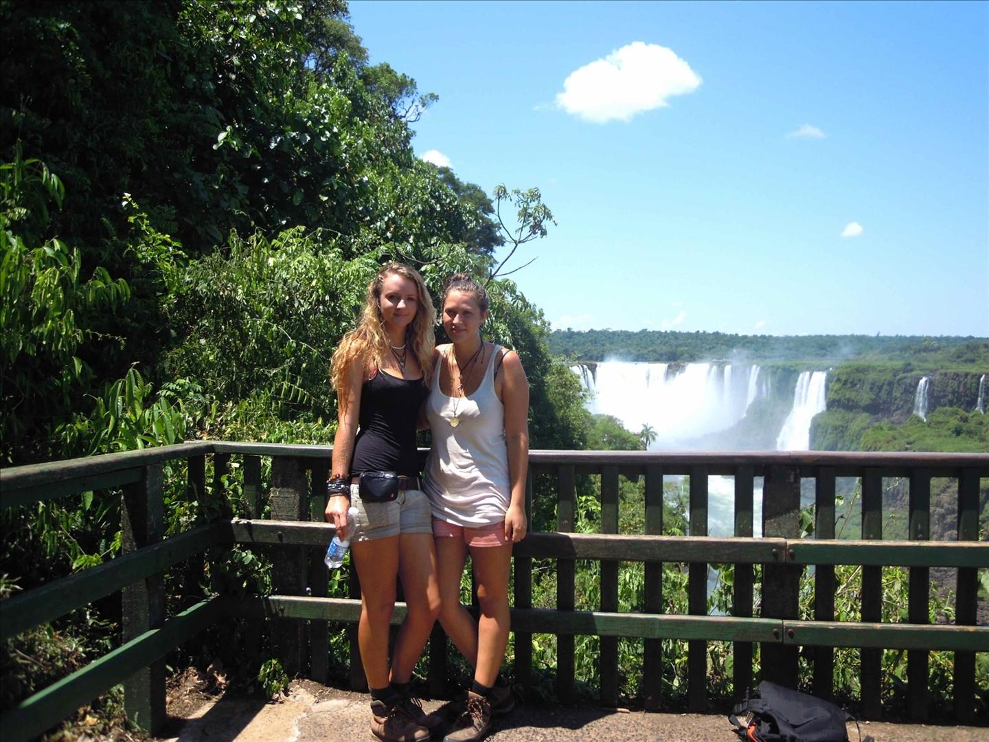 Inters Vera and Katharina in Foz do Iguacu during their internship in Brazil