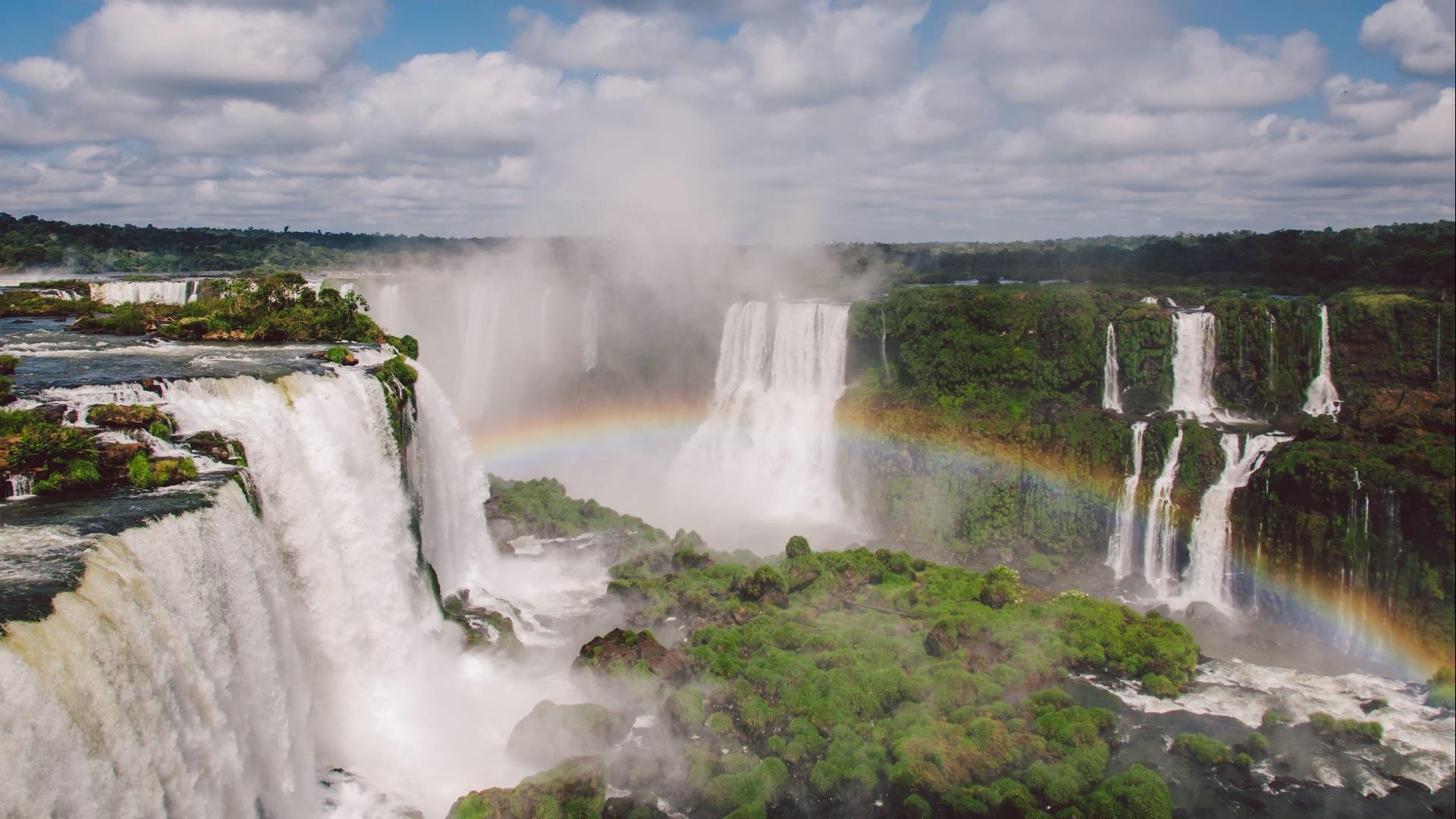 Iguacu, Iguazu, Iguassu Waterfalls, from the Argentinan side