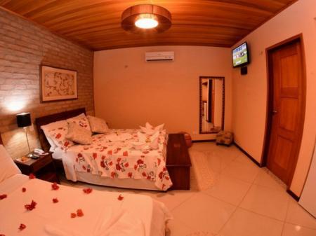 A triple room at Pousada Encantes do Nordeste