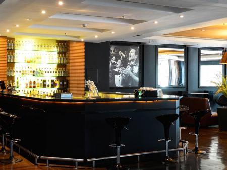 Bar and lounge at Hotel Pestana Rio Atlantica in Copacabana, Rio de Janeiro - Brazil