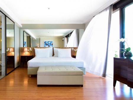 Example of a double room at Hotel Pestana Rio Atlantica in Copacabana, Rio de Janeiro - Brazil