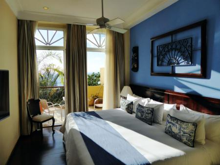 Example of a double room at Hotel Casa do Amarelindo