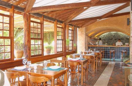 Local restaurante at Hotel Cantos das Aguas