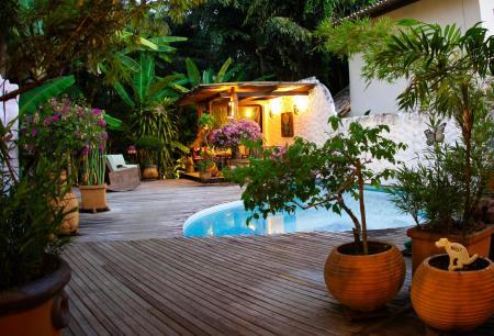 Seats at the pool at Pousada Burundange in Bahia