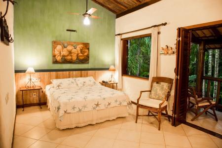 Example of a bath room at Pousada Burundange in Bahia